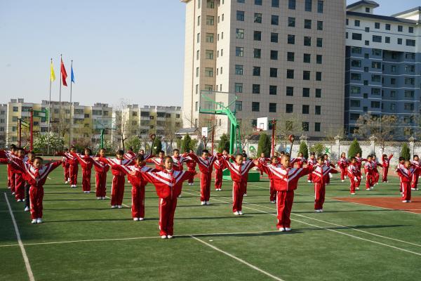白银区第六小学举办2107年春季运动会